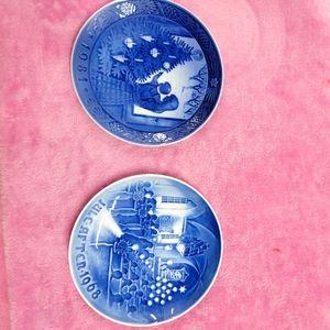 2 Xmas plates 1968 and 1981